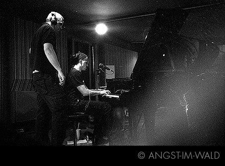 pictures of In Legend Showcase Gig 2009 – Hansa Tonstudios Berlin