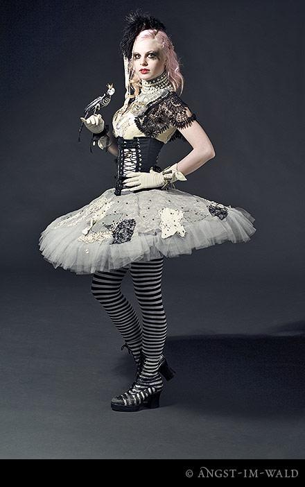 Julie Rain – Fashion