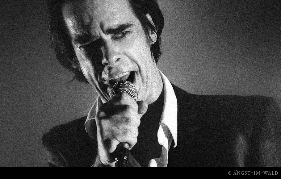 pictures of Nick Cave Live 2004–11–26