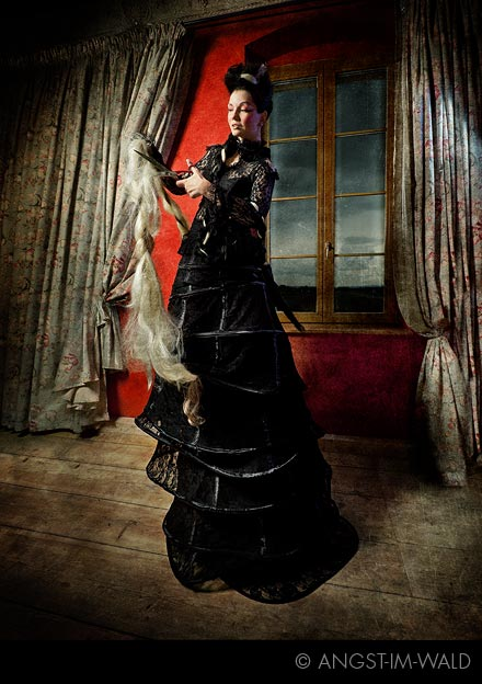 Queen of Darkness – Fashion Calendar 2012