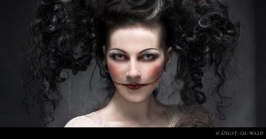 Vecona – Halloween Cover